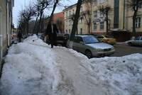 Организации Смоленска получили от администрации города предписания об очистке прилегающей территории от наледи и мусора