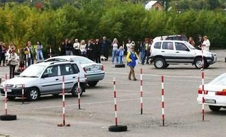 Сдавать на права в Смоленске можно и на «автомате»