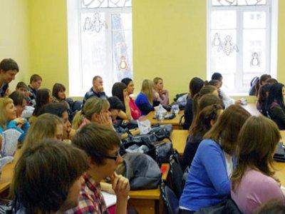 Cтуденты узнали о секретах счастливой любви от смоленского архипастыря
