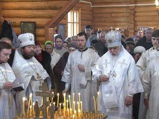В поселке Гусино под Смоленском освящен храм в честь иконы Божией Матери «Державная»