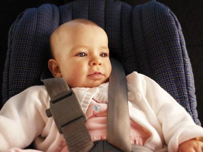 Смоленская ГИБДД призывает родителей соблюдать правила перевозки детей в авто