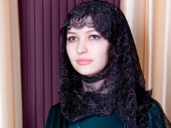 Жена Кадырова показала коллекцию одежды «Леди Чечня»
