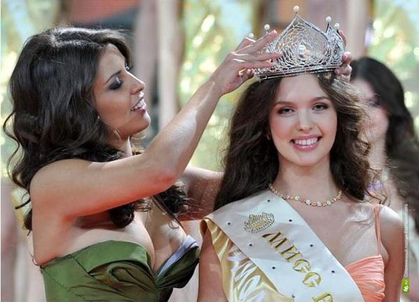 Елизавета Голованова из Сафонова стала мисс Россия — 2012