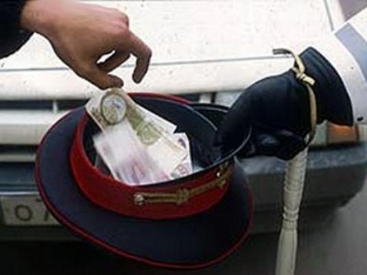 Экскаваторщик пытался дать взятку гаишнику, чтобы не потерять права
