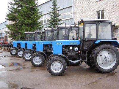 Смоленский завод будет обеспечивать половину потребности страны в тракторах