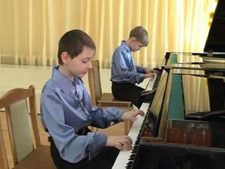 10 юных смоленских музыкантов получили награды международного конкурса