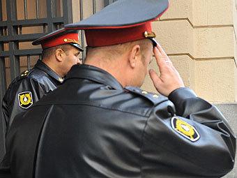 Полицейских избавили от обязанности отдавать честь
