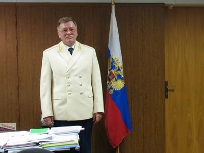 Главный прокурор Смоленщины за год заработал меньше своей супруги