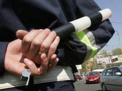 Пойманный после погони нарушитель ПДД угрожал гаишникам пистолетом