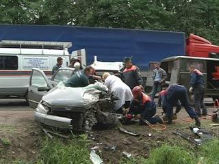 В крупном ДТП в Смоленской области 1 человек погиб и 5 пострадали