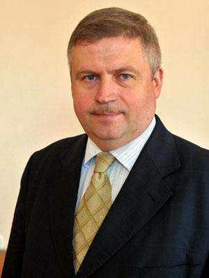 Во главе смоленского здравоохранения стал Владимир Степченков