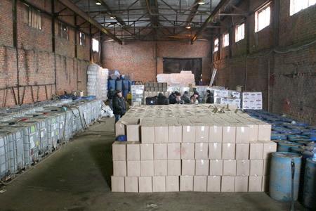 Смоленские полицейские «накрыли» подпольный водочный завод