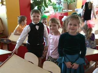 Более 8000 смоленских малышей ждут очереди в детский сад