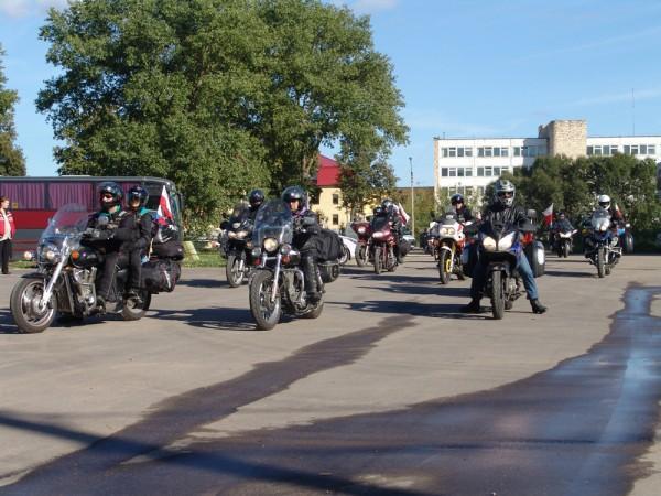 Смоленские байкеры нарушают не только ПДД, но и покой жителей города