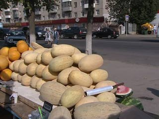 Смолян призывают быть осторожными при покупке арбузов и дынь