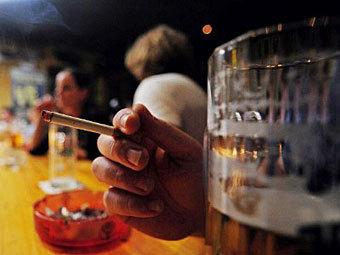 Минфин решил повысить акцизы на табак и алкоголь еще на 20 процентов