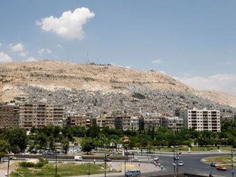 В пригород Дамаска ввели танки