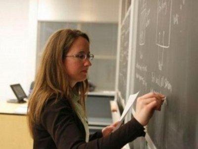 Для молодых смоленских учителей ипотека подешевеет