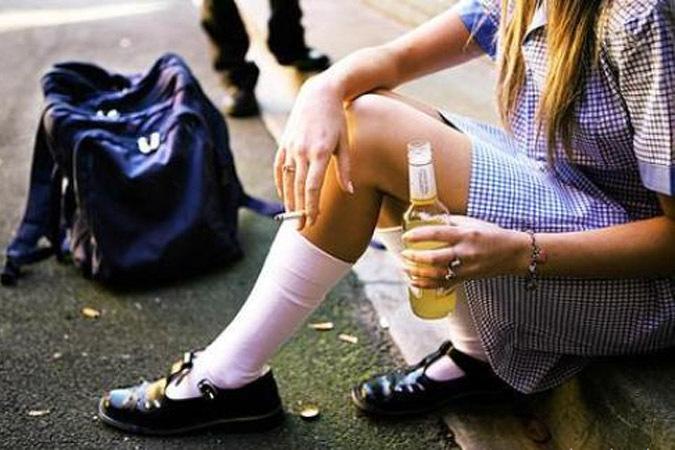 Юные смоляне продолжают покупать алкоголь в киосках и ларьках