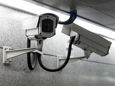 Кража банковской видеокамеры не помогла граффитчикам остаться неузнанными