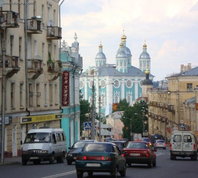 Движение транспорта по центральной улице Смоленска останется ограниченным