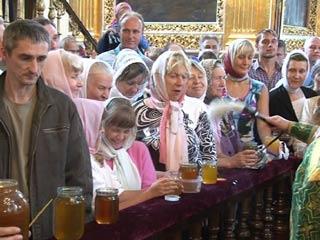 Православные смоляне отмечают Медовый Спас