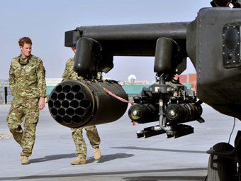 Принц Гарри стал пилотом вертолета в Афганистане