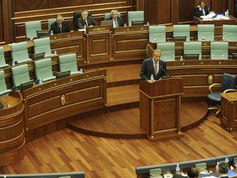 В Косово официально отказались от внешнего управления