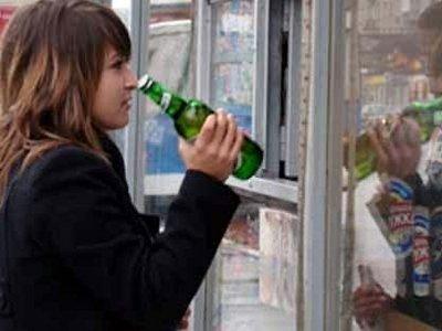 На торговку завели дело за повторную продажу алкоголя подростку