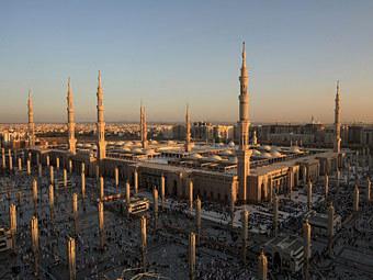 Крупнейшую мечеть Медины увеличат в три раза