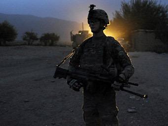 НАТО ограничит сотрудничество с афганскими военными