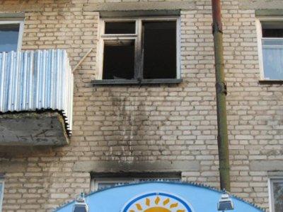 После взрыва в квартире хозяина увезли в реанимацию