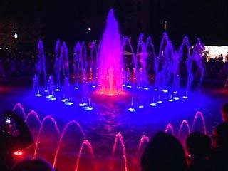 В Смоленске запустили «поющий» фонтан