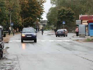 В Смоленском районе активно ремонтируют сельские дороги