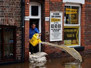 Мощнейший за 30 лет шторм снова обрушится на Британские острова