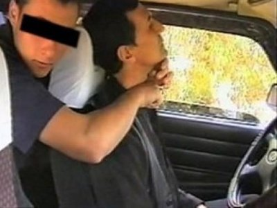 Раненый «розочкой» таксист отвоевал свое авто у несостоявшегося угонщика