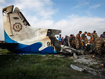 Самолет в Непале упал после столкновения с птицей