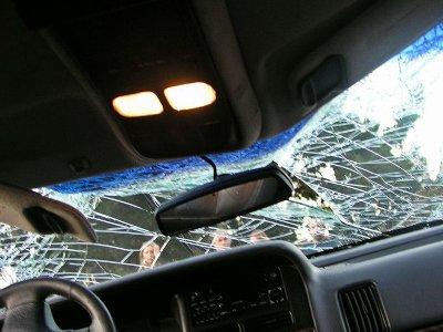 Шофер «Фольксвагена» уснул за рулем и разбился вместе с пассажиром