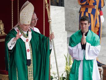Папа Римский впервые благословил паству по-арабски