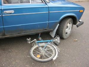 Юная велосипедистка угодила под колеса «шестерки»