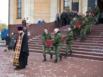 На перезахоронение останков погибших в годы войны солдат прибыли их родственники