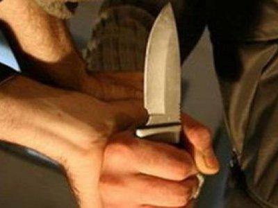 Смолянин порезал ножом двух горожан