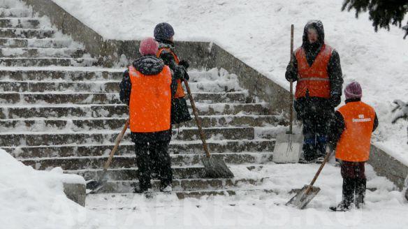Для уборки снежных завалов в Смоленске перекроют улицы