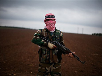 Сирийские повстанцы захватили еще одну базу правительственных сил