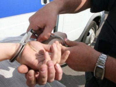 Жильцы сдали незнакомого «соседа» правоохранителям