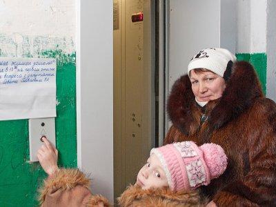 В смоленской высотке запустили лифты, не работавшие почти 20 лет