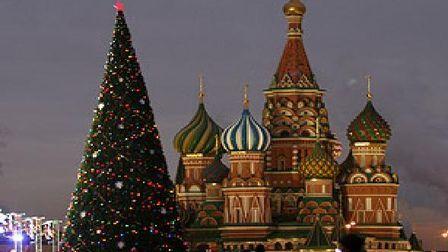 Гагаринские Снегурочки отправились на Кремлевскую ёлку