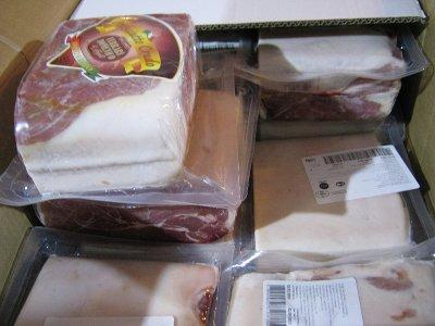 Смоленские ветеринары не пустили в столицу почти пять тонн свинины из Италии