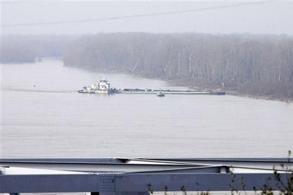 Из-за аварии с баржами перекрыли Миссисипи