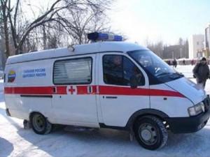 Шофера «Киа» после столкновения с двумя авто увезли на «скорой»